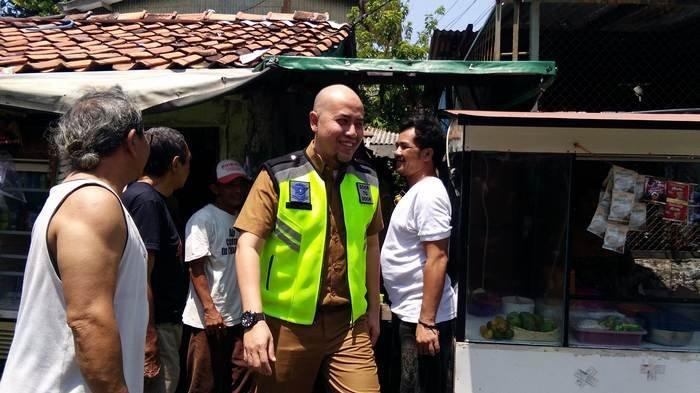Samsat Jakarta Barat Temukan Rolls Royce di Gang Sempit Mangga Besar