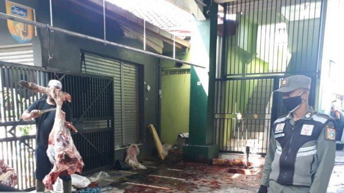 Cegah Klaster Covid-19, Satpol PP Jaktim Larang Warga di Zona Merah Gelar Penyembelihan Hewan Kurban