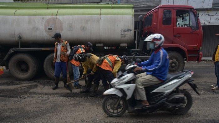Kondisi Jalan Provinsi Cikarang-Cibarusah Rusak Parah Sebabkan Macet, Begini Komentar Wagub Jabar