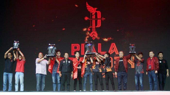 Aby Umrahkan Orangtua Berkat Uang Hadiah Piala Presiden E-sports