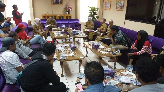 Digeruduk Massa, Pemkab Klaim Pilkades Tangerang Sesuai Aturan