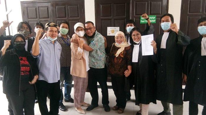 JUMHUR Hidayat Bebas, Andi Arief Minta Habib Rizieq Shihab dan Tawanan Politik Juga Ditangguhkan