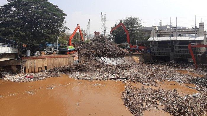 Siap Hadapi Bencana Banjir,  UPK Badan Air Dinas LH DKI: Sudah Disiagakan Satgas Sebulan Lalu