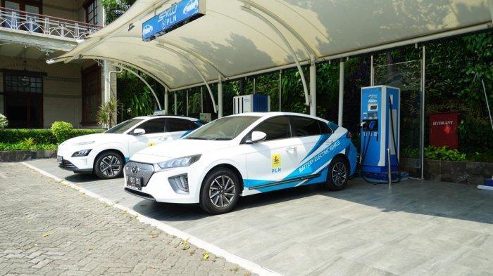 PT PLN (Persero) membuka peluang kerja sama bagi para pelaku usaha untuk ikut membangun 101 stasiun pengisian kendaraan listrik umum (SPKLU) sepanjang 2021.
