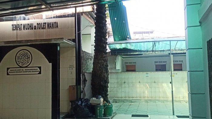 Cerita Tentang Pohon Kurma di Areal Masjid Al Mukarromah di Kampung Bandan