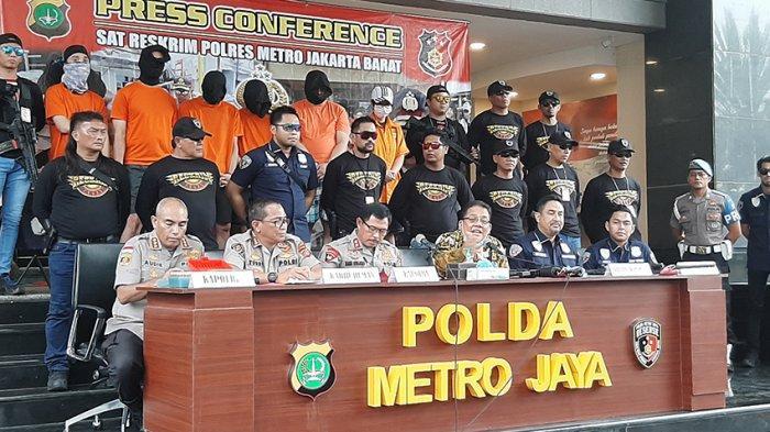 Polisi Bekuk 6 Anggota Sindikat Senjata Api Ilegal, 24 Senpi dan 12.000 Peluru Tajam Disita