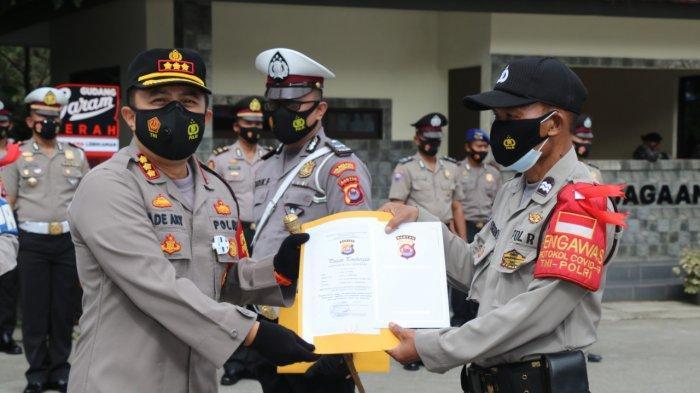 Kapolresta Tangerang Memberikan Penghargaan kepada 22 Personel yang Berprestasi