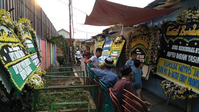 Sekantong Kaus Polisi dari Aiptu Imran Yasin Jadi Tanda Perpisahan