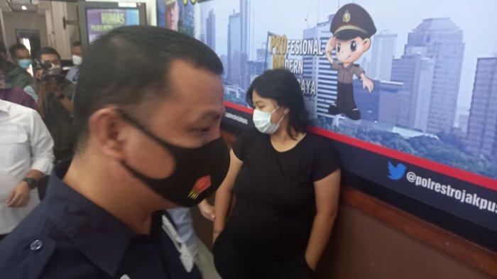 Layani Birahi Teman Lelakinya di Muka Umum hingga Ditonton Pengguna Jalan,Polisi Periksa Kejiwaan MA