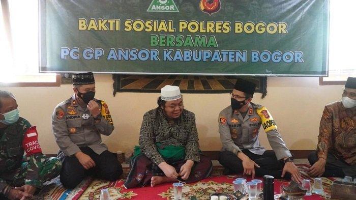 Wujud Sinergitas dengan Tokoh Agama, Polres Bogor Gandeng NU dan GP Ansor Bagi-bagi Paket Sembako