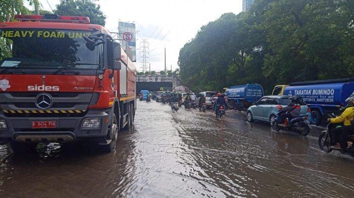 Banjir Setengah Meter Berhasil Dipompa, Pukul 15.30 WIB Terowongan Cawang Dapat Dilalui Kendaraan