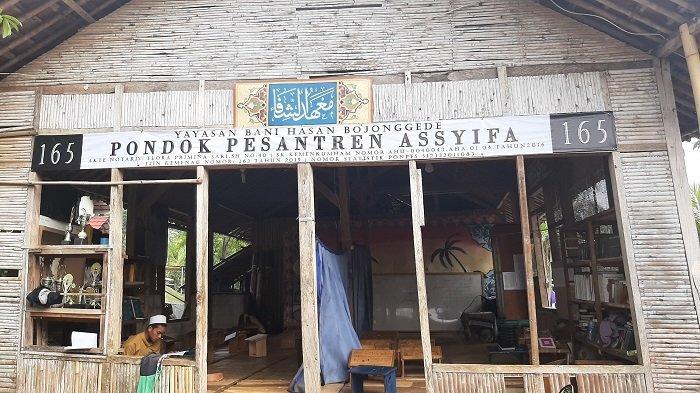 Pondok Pesantren Assyifa Bojonggede Bogor Mandiri Berkat Produk Minuman Herbal Racikan Para Santri