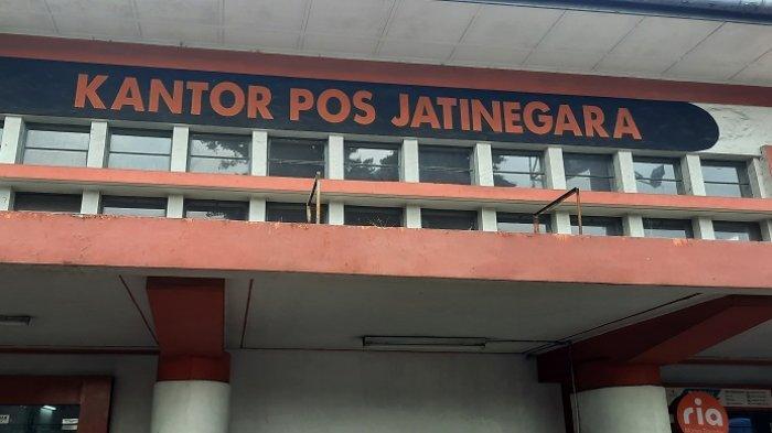 Di Kantor Pos Jatinegara Tidak Ada Antrean Penerima Bantuan Sosial Tunai, Semua ke Bank DKI