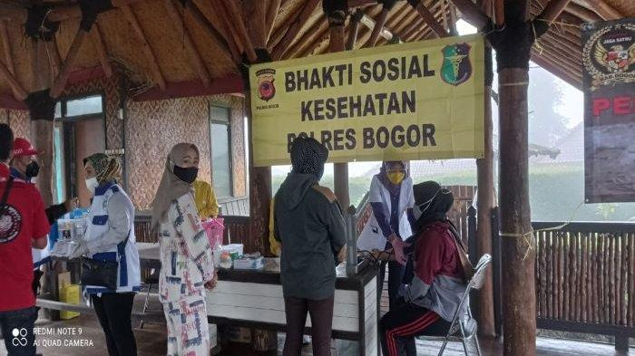 Jalani Pemeriksaan di Posko Kesehatan, Ini Keluhan Pengungsi Banjir Bandang Gunung Mas Puncak Bogor
