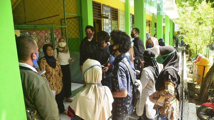 Senin Besok PPDB SD SMP Kota Bekasi Dimulai, Sekretaris Disdik: Covid Meningkat Daftar Lewat HP Saja