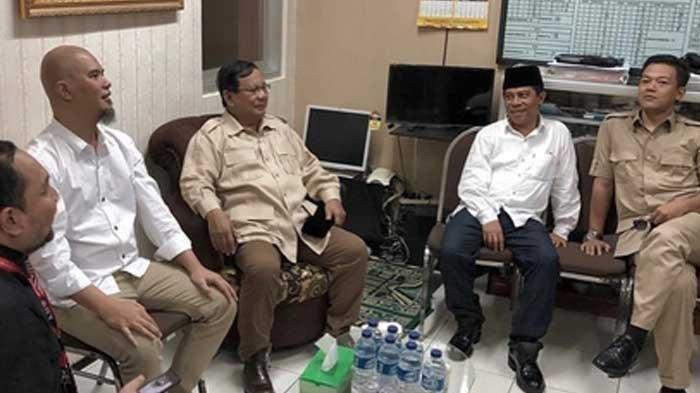 Jenguk Ahmad Dhani di Lapas Medaeng, Prabowo: Ketidakbenaran Hukum Ini akan Dicatat Sejarah