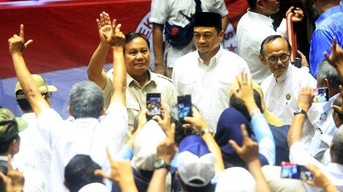 FOTO : Capres Nomor Urut 02 Hadiri Syukuran Kemenangan di Padepokan Pencak Silat