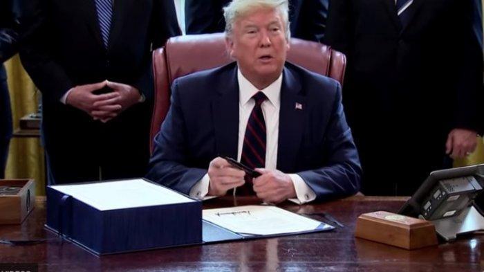 Amerika Kewalahan Hadapi Virus Corona, Donald Trump Setujui 2,2 Dollar Triliun untuk Atasi Wabah