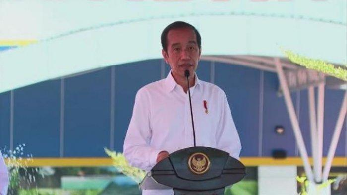 Presiden Joko Widodo (Jokowi) saat meresmikan terminal Bandara Kuabang, di Halmahera Utara, Maluku Utara, Rabu (24/3/2021)