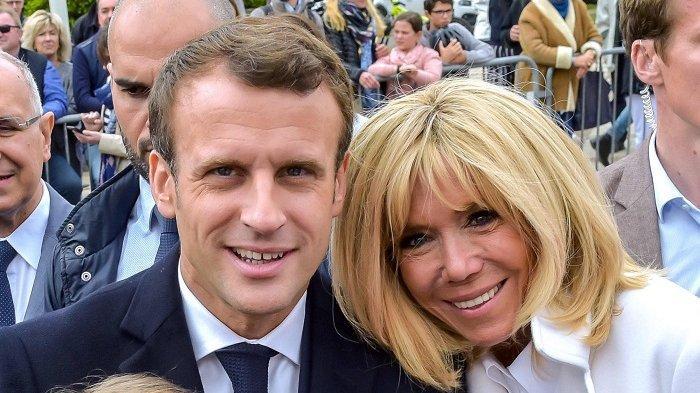 Presiden Perancis Emmanuel Macron dan istri, Brigitte Trogneux, yang lebih tua 25 tahun.