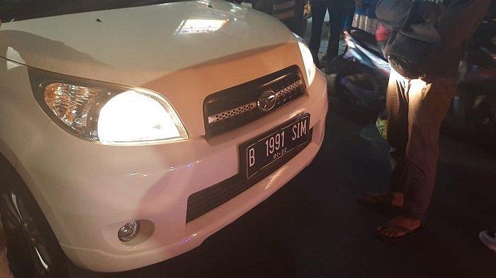 Seorang pria diketahui sudah tak bernyawa di dalam mobil Daihatsu Terios dengan nopol B 1991 SIM, Jumat (3/9/2021) pukul 18.30 WIB.