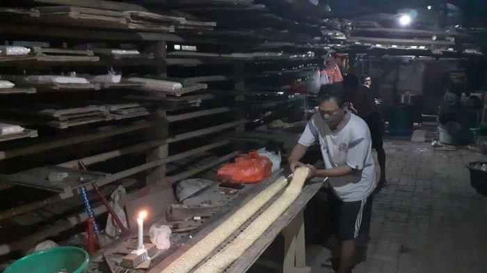 Perajin Tempe Mulai Produksi, Namun Tetap Berharap Presiden Jokowi Mengambil Tindakan