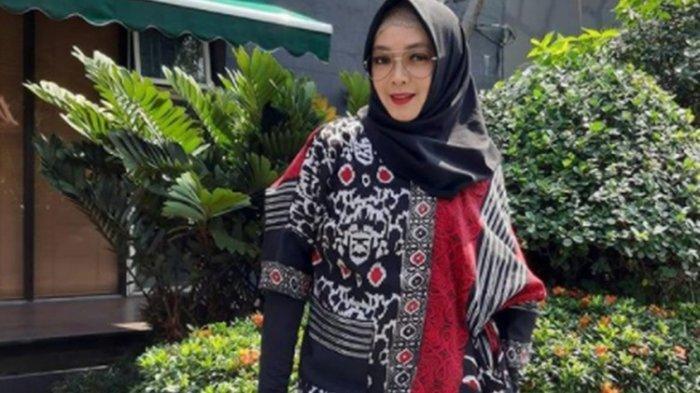 Rina Gunawan meninggal dunia di RSPP Simprug, Kebayoran Lama, Jakarta Selatan, Selasa (2/3/2021) malam.
