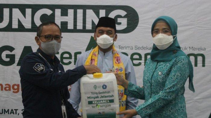 Kumpulkan Minyak Jelantah, Program Keluarga Tersenyum Diluncurkan di Jakarta Barat