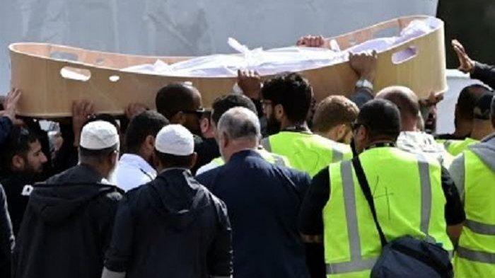 Para Relawan di Selandaibaru Menangis Mandikan Jenazah Korban Penembakan, Begini Prosesinya