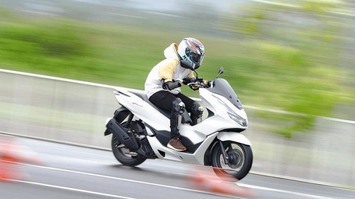 Test Ride PCX 160, Motor Bongsor dengan Tarikan Halus dan Handling Ringan