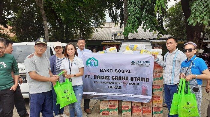 PT Hadez Graha Utama Beri Bantuan Logistik ke Korban Banjir di Perumahan Pondok Gede Permai Bekasi