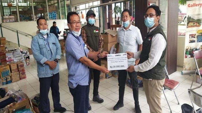 PT INKA Berikan Bantuan untuk Korban Bencana Banjir Bandang Gunung Mas Puncak Kabupaten Bogor