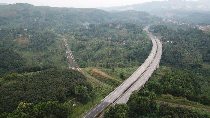 PT Jasa Marga akan menaikkan tarif di ruas Jalan Tol Cikampek-Purwakarta-Padalarang (Cipularang) dan ruas Jalan Tol Padalarang-Cileunyi (Padaleunyi) mulai 5 September 2020.