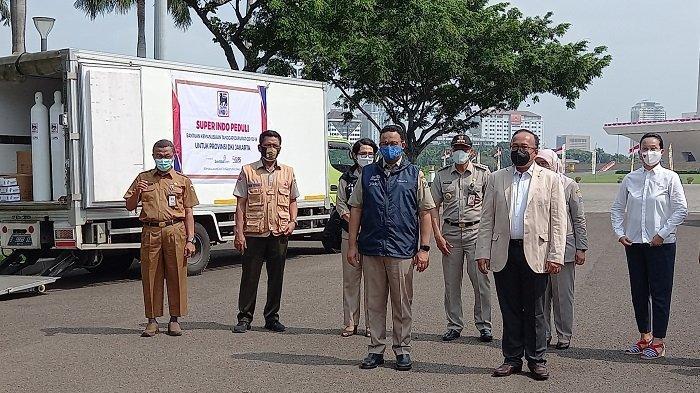 Pemprov DKI Terima Bantuan Ratusan Tabung Oksigen dan Ribuan Sembako untuk Nakes Terdampak Covid-19
