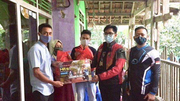 WMS Bersama Honda BeAT Club Jakarta dan Tangerang Salurkan Paket Sembako untuk Warga Sukamakmur