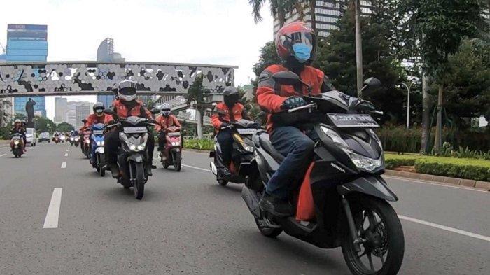 Main Dealer sepeda motor Honda Jakarta Tangerang, PT Wahana Makmur Sejati (WMS), mengajak komunitas BeAT -Honda BeAT Club (HBC)- melakukan aksi sosial di Desa Sukamakmur, Bogor, Rabu (6/1/2021), dengan sebelumnya melakukan turing pendek dari Jakarta ke Bogor.