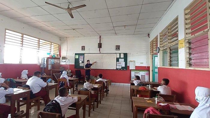 Disdik Imbau Pengelola Sekolah di Kabupaten Bekasi Mengatur Jarak Orang Tua Murid Saat Antar Jemput