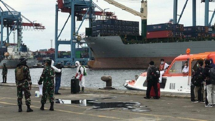 57 ABK MV Artania Jalani Isolasi di RS Darurat Wisma Atlet Kemayoran