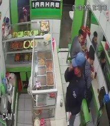 Pemalak Dua Pedagang di Ciputat Timur Mengaku Anggota Karang Taruna Diburu Polisi Ini Ciri-cirinya
