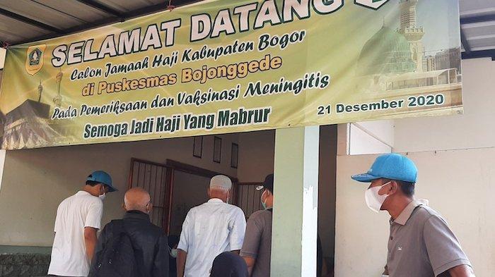 Puskesmas Kecamatan Bojonggede, Kabupaten Bogor, Senin (3/5/2021) memberikan vaksinasi gratis kepada calon jamaah haji.