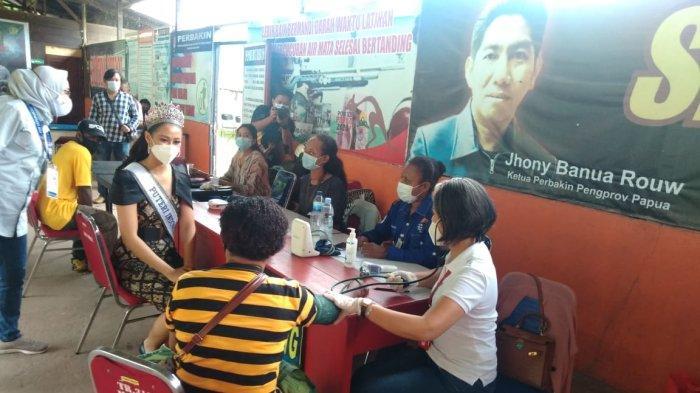 Putri Indonesia kunjungi Serbuan Vaksin Perbakin di Jayapura