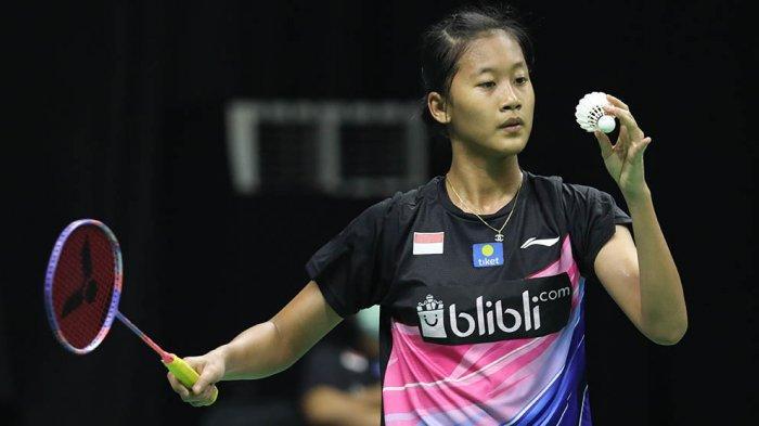 Putri Kusuma Wardani menang atas Gregoria Mariska Tunjung dengan skor 21-17, 5-21, 21-18.