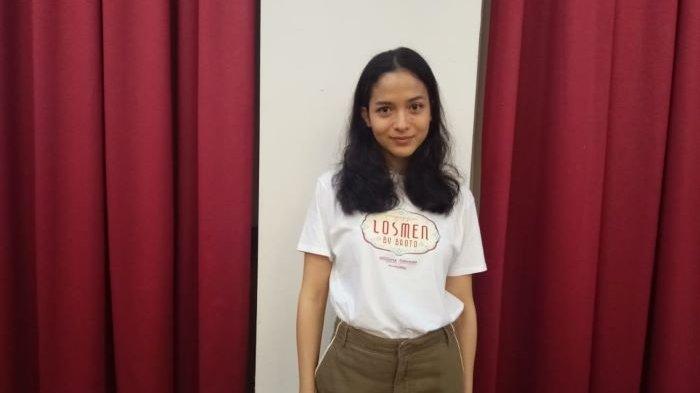 Putri Marino disela berbincang di Indoluxe Hotel, Sleman, Yogyakarta, Minggu (13/12/2020), ketika dikenalkan sebagai pemeran Jeng Pur di film Losmen Bu Broto. Syuting film Losmen Bu Broto mulai dilakukan Senin (14/12/2020).