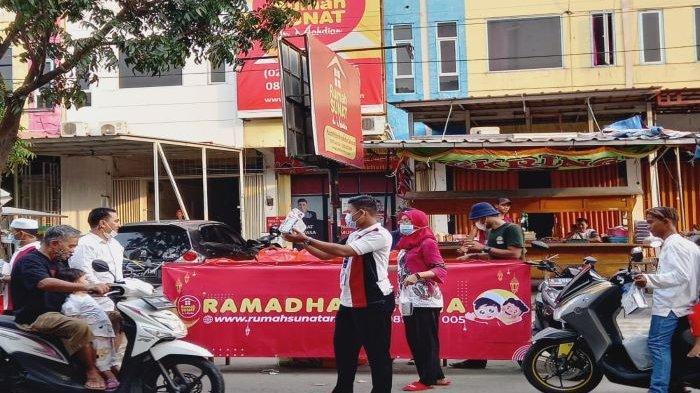 Rumah Sunat dr. Mahdian melaksanakan Program Ramadhan Ceria di 16 lokasi klinik Rumah Sunat dr. Mahdian.