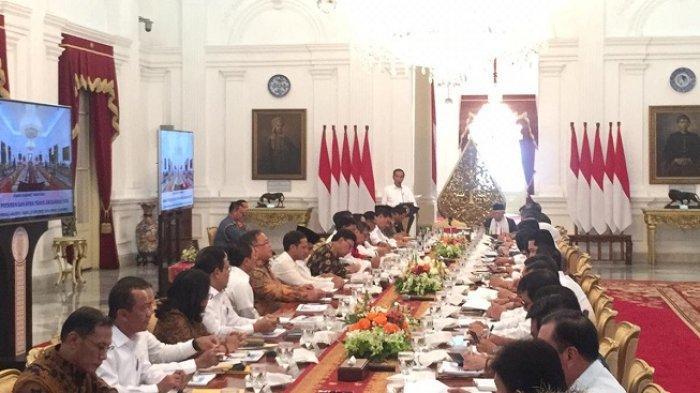 Pimpin Rapat Perdana Kabinet Indonesia Maju, Jokowi Minta Para Menterinya Jangan Ribut di Luar