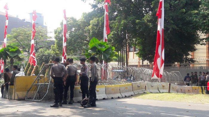 Jalan Imam Bonjol Menteng Ditutup Kedua Arah Jelang Sidang Pleno Penetapan Presiden