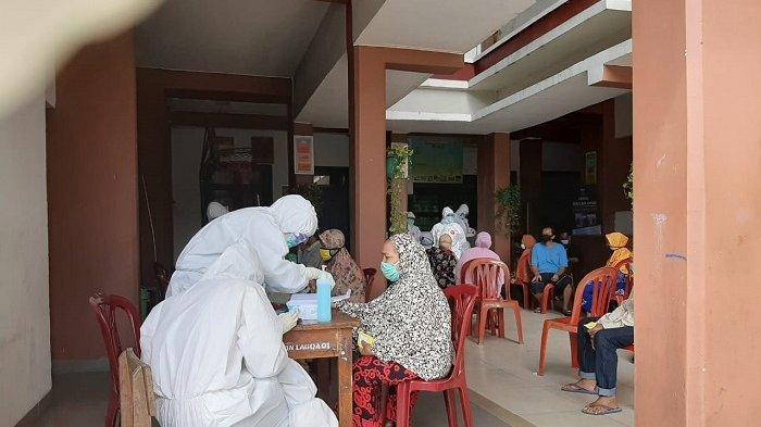Positif Covid-19, Warga di Penjaringan Dibawa ke Rumah Sakit Khusus Covid RSKD Duren Sawit,