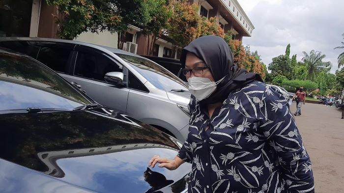 Ratmulyati, ibu Nindy Ayunda, dihadirkan sebagai saksi dalam sidang peceraian putrinya di Pengadilan Agama Jakarta Selatan, Rabu (7/4/2021).