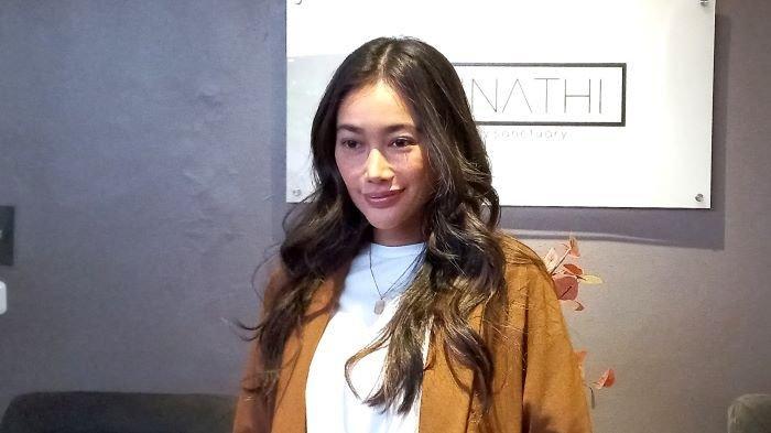 Pemain sinetron dan film Ratu Felisha membuka klinik kecantikan bernama The Unnathi di kawasan Kebayoran Baru, Jakarta Selatan, Jumat (10/9/2021).