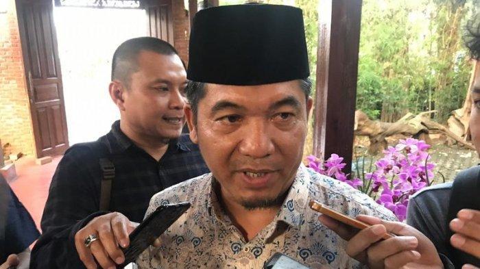 Ray Rangkuti seusai menghadiri acara Evaluasi Pemilu 2019 untuk Menuju Pilkada Tangsel 2020 di Kampoeng Anggrek, Setu, Tangerang Selatan, Rabu (26/6/2019).
